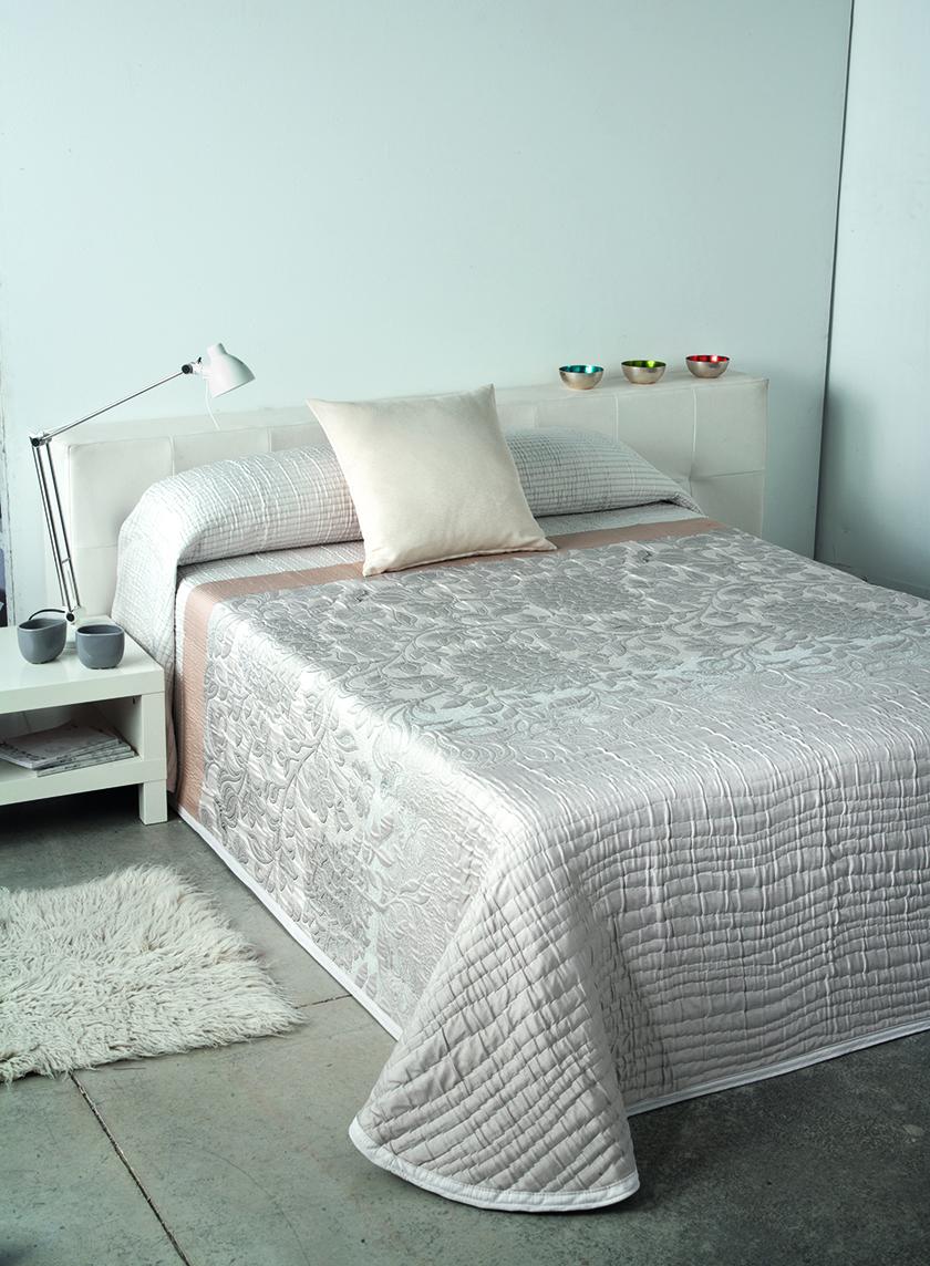 posteljnina pregrinjalo